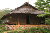 Hmong house (Tim Doling)